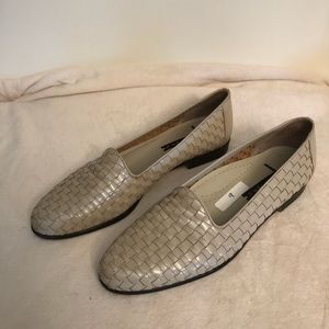 Trotters woven loafers